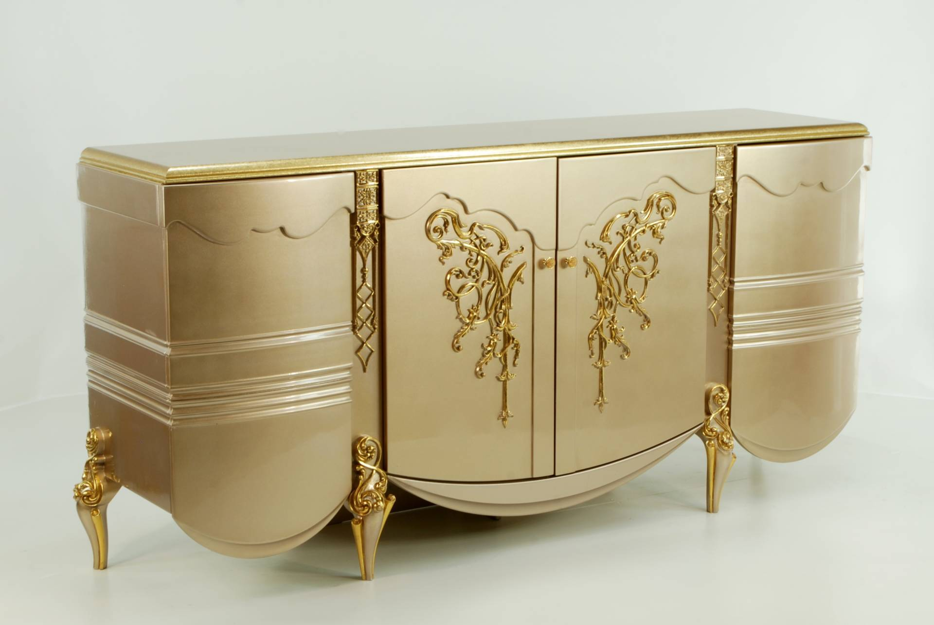 Buffet Console With MirrorElite